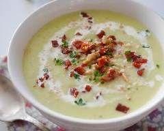 Velouté de poireaux et chorizo : http://www.cuisineaz.com/recettes/veloute-de-poireaux-et-chorizo-79132.aspx