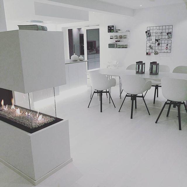 #boligpluss #bolig#cleanlines #design #funkis #hektapåinteriør #hus #housestyling #home #homedecore #interior4all #inspiration #interor123 #interiør #interiormagasinet #interiør#livingroom #mynordichome #minimalistisk #nordicdesign #nordichome #styling #scandinavianhome #scandinaviandesign