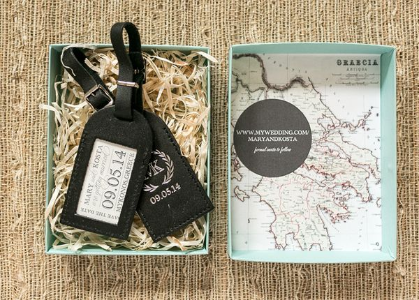 Fantastic idea: luggage tag save-the-dates for a destination wedding. Well done, Atheneum Creative!