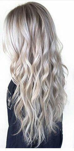 Light ash blonde waves. Cold colour.