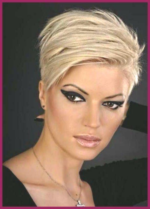 Stilvolle Pixie Haarschnitte Die Jede Frau Sehen Sollte Kurzhaarfrisuren Haarschnitt Frisur Langes Gesicht