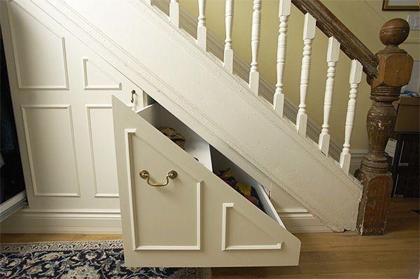 Шкаф под лестницей в частном доме: дизайн, идеи | DomoKed.ru