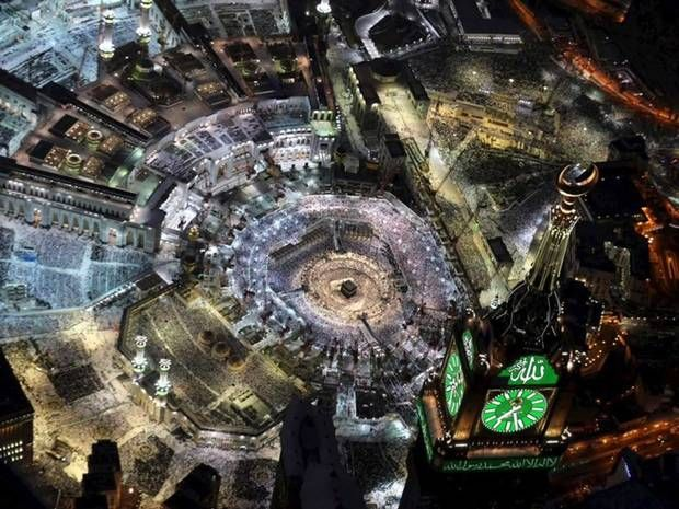 Snapchat streams Mecca live as thousands share incredible images of Islam's holiest city - World - News - The Independent