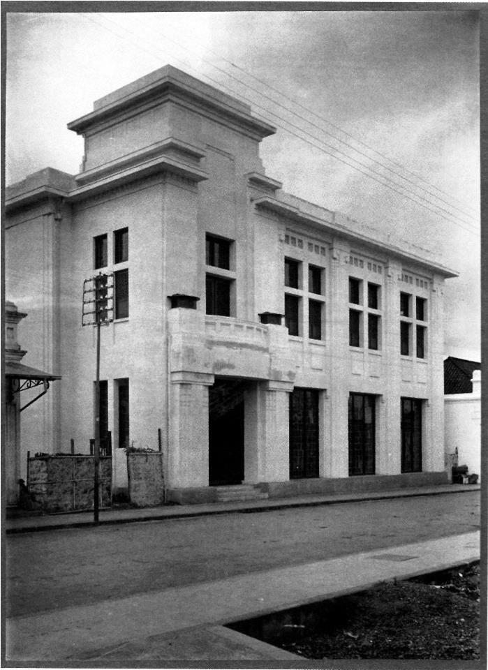 N.V. Nederlandsch-Indische Gasmaatschappij (NIGM) building in Jalan Braga built around 1919 by Richard Leonard Arnold (R.L.A.) Schoemaker