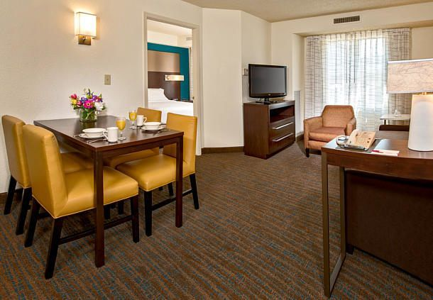 Residence Inn Washington Dc Dupont Circle Two Bedroom Suite Dining Area Hotel Hotels Travel Two Bedroom Suites Residences Dining Area