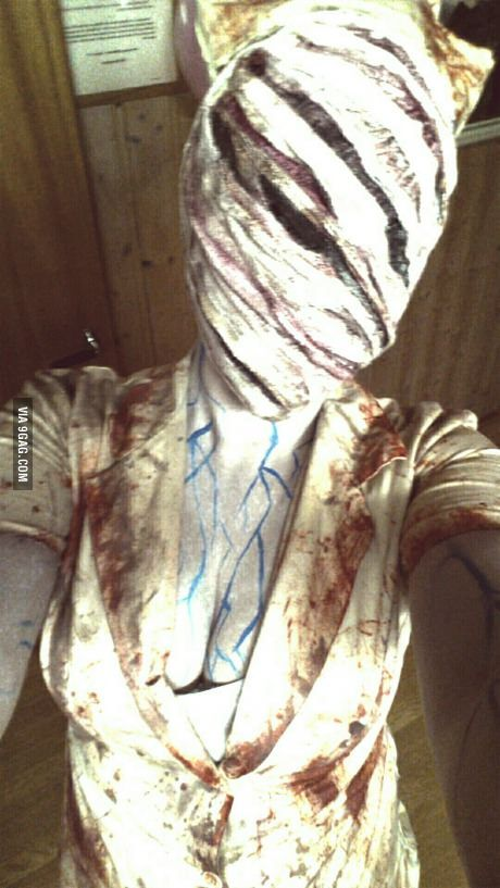 Here is my attempt of the Silent Hill nurse cosplay.