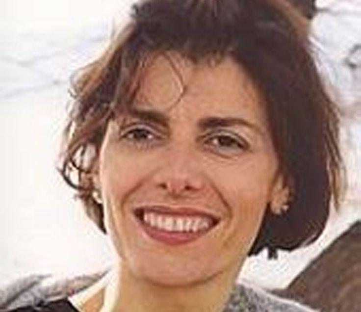 Με τη συγγραφέα Σταυρίνα Λαμπαδάρη συνομίλησε στη ραδιοφωνική του εκπομπή «Μιλάμε για το βιβλίο», στο Ράδιο 1 του Βόλου, ο συγγραφέας Διονύσης Λεϊμονής.