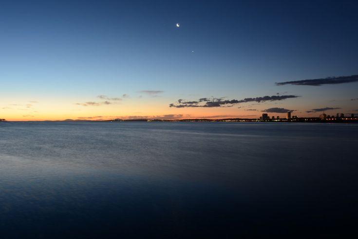 Pôr do sol + lua + Punta = Uruguai