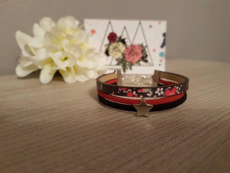"""Voici ce que je viens d'ajouter dans ma boutique #etsy: Bracelet """" Simili & Stars """" http://etsy.me/2itqgGv #bijoux #bracelet #rouge #non #filles #oui #bleu #artnouveau #suedine#CADEAU#NOEL"""