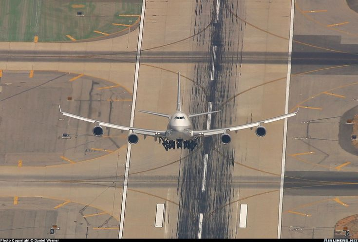 Cool perspective of a Boeing 747-446 aircraft taking off by Daniel Werner