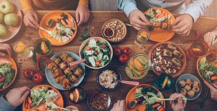 15 alimente care nu ingrasa indiferent de cantitatea in care le consumati  Cresterea in greutate este una dintre cele mai mari probleme in societatea moderna. Astazi, oamenii sunt preocupati de diete si pierderea kilogramelor in plus.