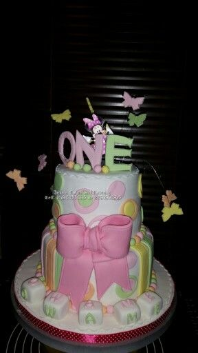 Bithday cake Minnie mouse Bowtique