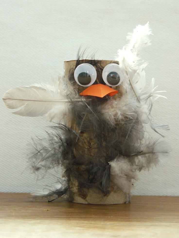 Klopapierrollen Vogel mit echten Federn