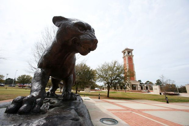 14 things we have to explain to out-of-towners about the University of South Alabama