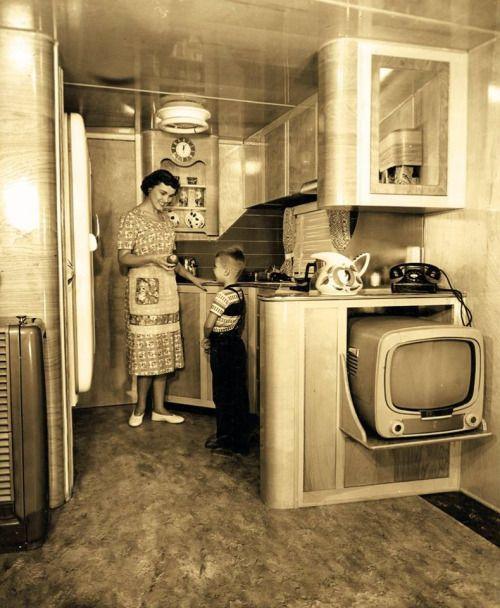 Danismm: 1950s Schult Mobile Home Interior