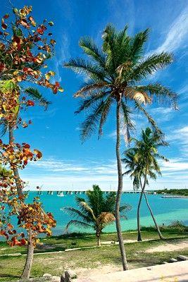 Florida Keys Road Trip - Island Hopping, Key Largo, Islamorada, Marathon, Key West, Scenic Drive, U.S. Route 1, Seven Mile Bridge, Mile Marker, Duval Street, Keys, Romantic Getaway, Vacation, Trip, Adventure | Florida Travel + Life