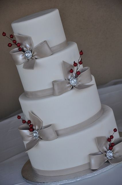 beautiful Christmas wedding cakes | christmas wedding? love the silver but not the red flower thing