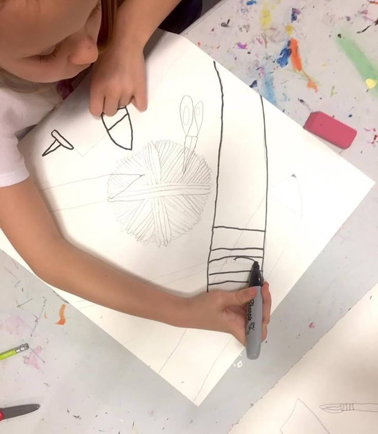We've been working a lot on DRAWING this week at KaleidoKids! More process photos and finished products of these fun Contour Line Drawing coming soon! KaleidoKids Art 2017