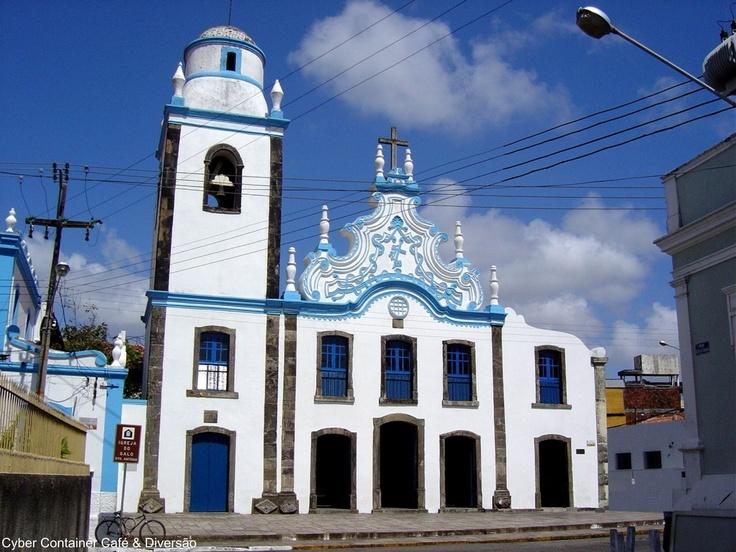 Igreja de Santo Antonio - Uma das mais importantes obras da cidade, principalmente devido à data da sua construção, em 1766. Em estilo barroco, sendo conhecida como Igreja do Galo, pois há um galo em metal no alto.   - Natal - RN - Brasil