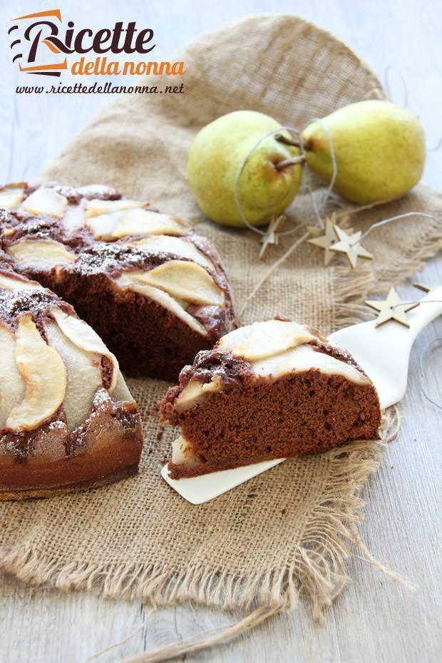 Foto torta cioccolato e pere