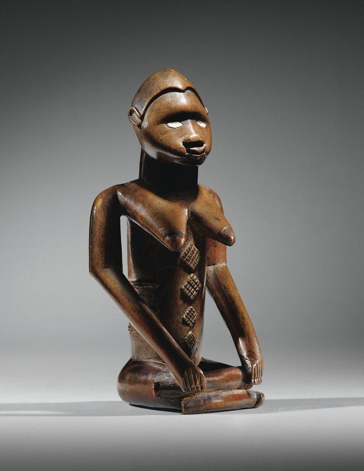 BEMBE FIGURE, REPUBLIC OF THE CONGO h 18,5 cm Collection Guillaume Apollinaire (1880-1918), Paris, avant 1914 « style de Kolo »