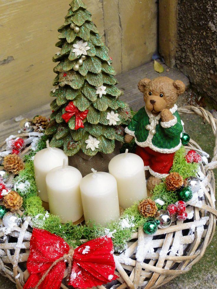 Retroadvent+Do+prutěného+přenosného+košíku+jsem+naaranžovala+krásný+vámoční+stromek+,medvídka+v+retro+stylu.Dozdobeno+islandským+lišejníkem+,baněčkami+,šištičkami+a+mašličkou.+Krásná+vánoční+nadčasová+dekorace+.+Velikost+36+x+33cm.
