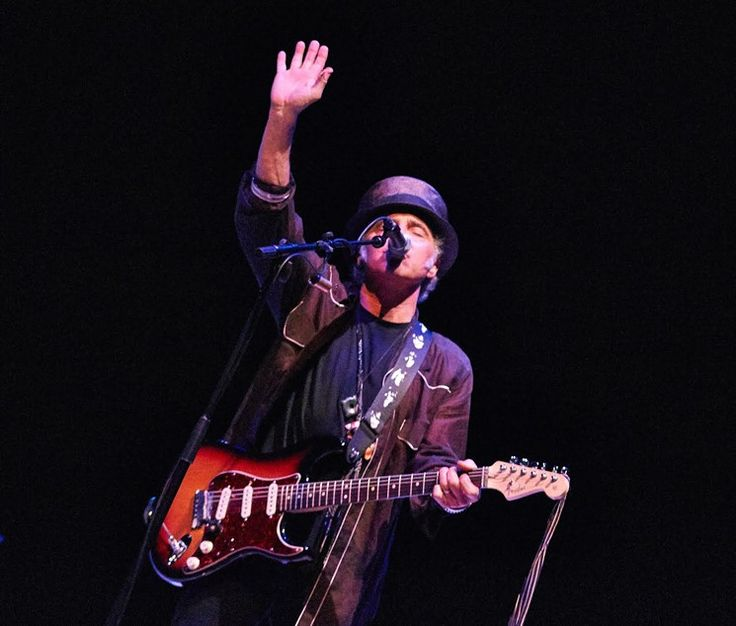 Nils Lofgren on Bruce Springsteen, Neil Young and His ...