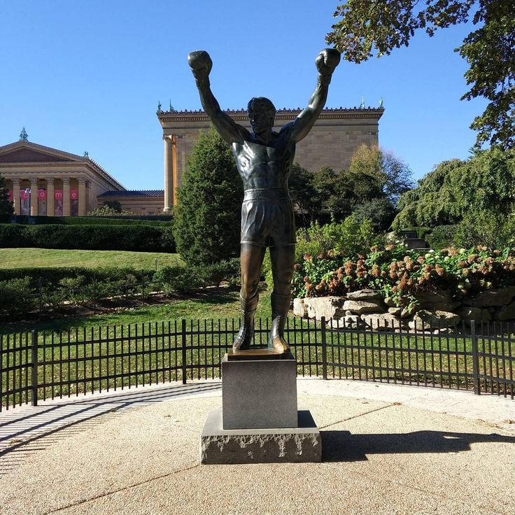 The Rocky Balboa statue the steps that he ran to the top (72 steps) and me pretending as him (sorry for that). #rocky #rockybalboa #statue #steps #museum #philadelphia #phdlife