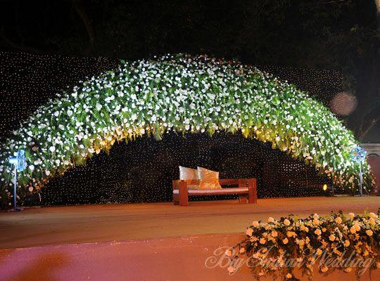 minimalist wedding stage decor