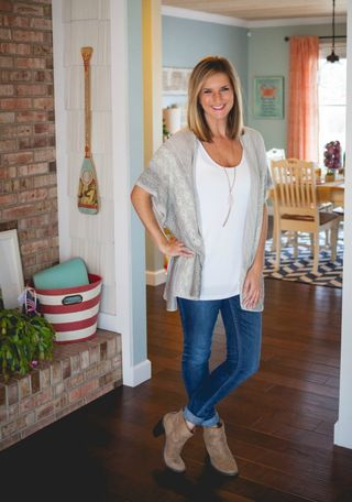 April's Stitch Fix Review [ | Living In Yellow | Bloglovin'