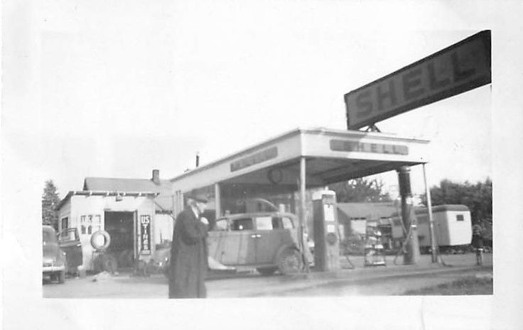 Black and White Vintage Snapshot Photograph Shell Gas Station Pumps Car 1940's