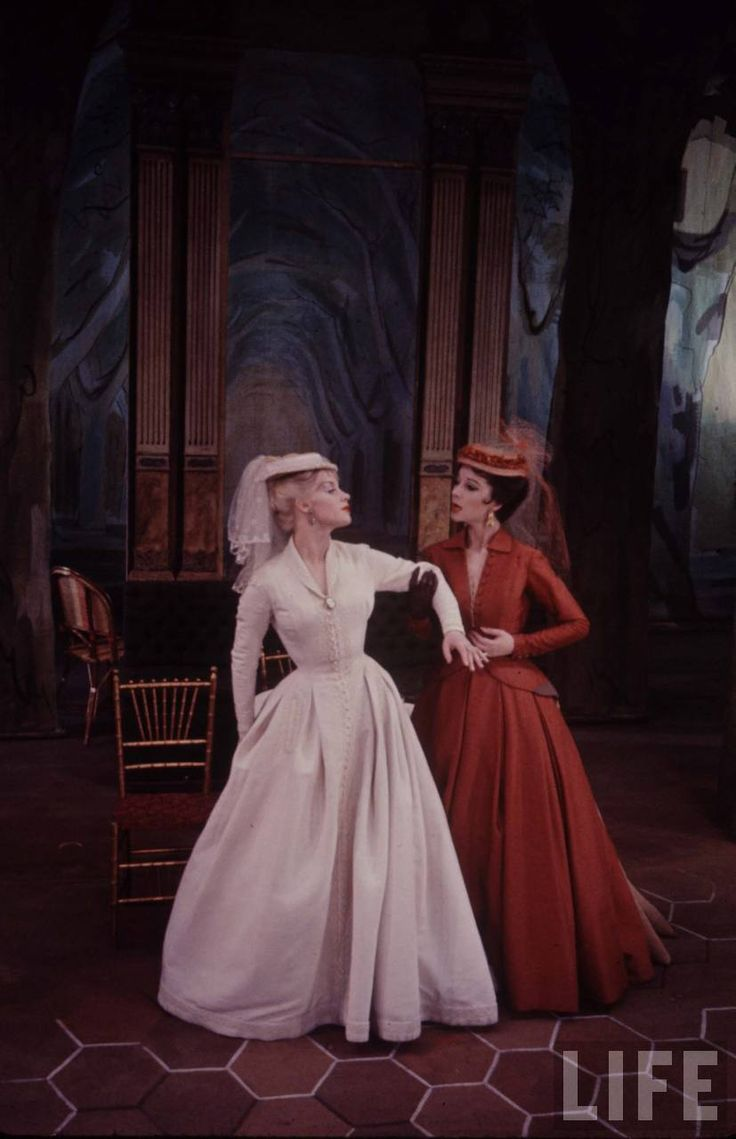 Vivien Leigh and Mary Ure wear Dior in Duel of Angels, 1960