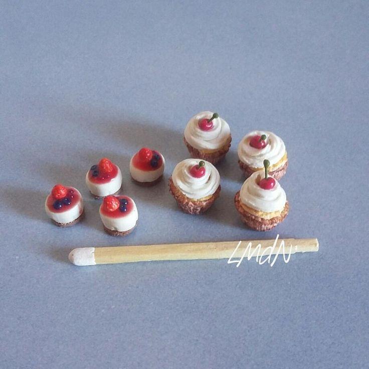 DIY FAKE FOOD miniatureshort cheesecake cake red fruits and cupcake cherry