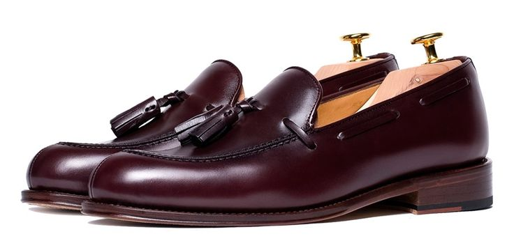 Shoes with tassels, burgundy shoes, burgundy shoes for men, classic shoes, comfortable shoes, shoes with fringes, tassel loafer for men, semi formal shoes