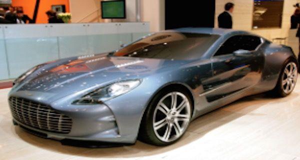 世界 高級車 ランキング 2015 第4位 Aston Martin One-77 アストンマーチン  世界 高級車 ランキング 2015 約1億6000万円  モンディアル・ド・ロトモビルで77台限定のアストンマーチンのフラッグシップモデル