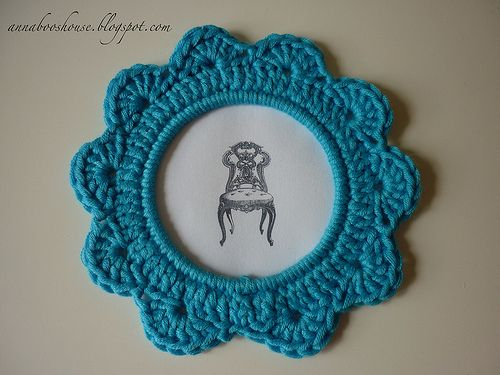 crocheted frames - might be cute with the cross stitch ornaments i've made - next year since its Christmas Eve