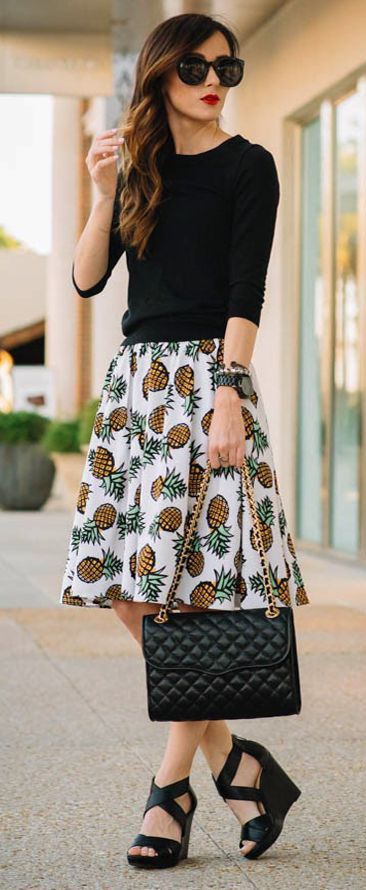 I don't have a pineapple skirt - but I'm sure I could come up with something.   72 Easy Outfits to Try When You Truly Hate Your Closet - Page 5 of 7 - Trend To Wear