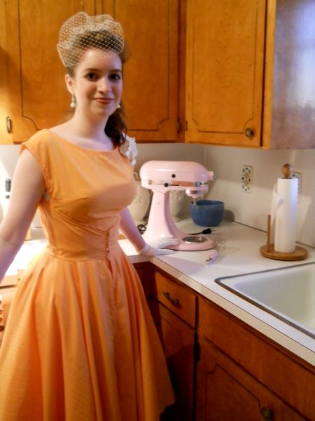 how to alter the walkaway dress to look like the pattern cover -- Man, where was THIS info a few years ago when I made that dress?