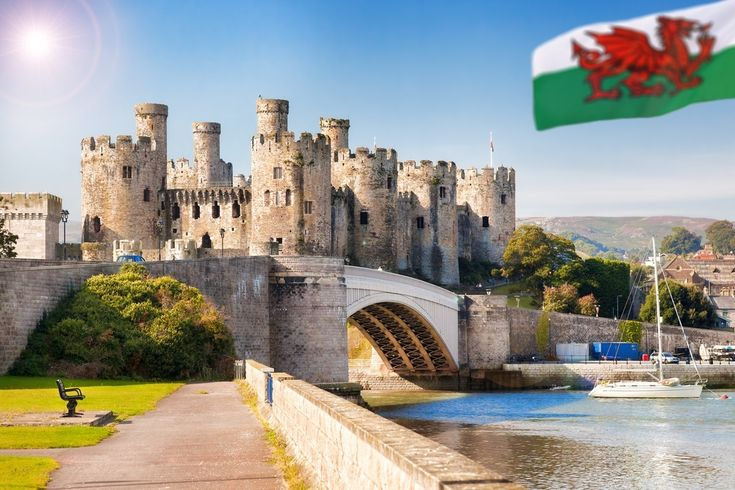 11 most amazing castles in the UK. ~ Checking out preserved palaces and medieval ruins is like traveling back to a fairy tale time.