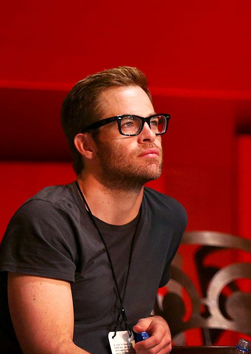 chris pine in glasses is too much for my little heart to handle