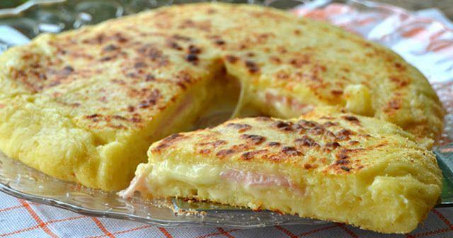 Πίτσα με ζύμη πατάτας, με ζαμπόν και τυρί στο τηγάνι!