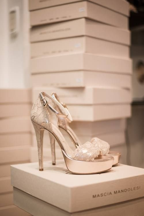 Nude lace sandals #MasciaMandolesi #luxury #sandals MASCIA MANDOLESI  www.masciamandolesi.com