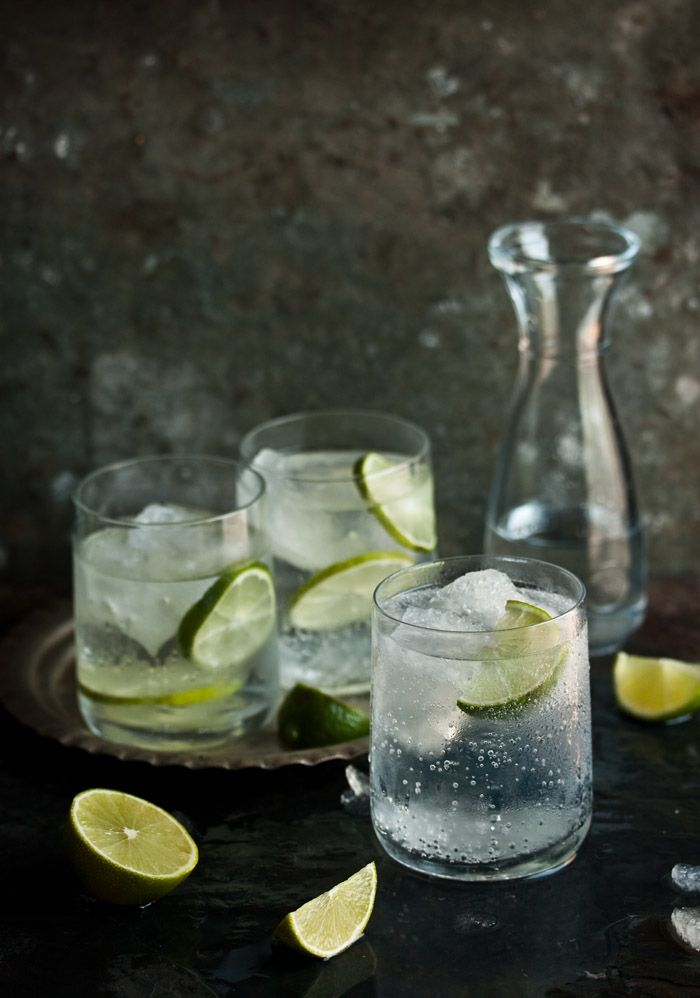 Gin and Tonic Image by drizzle & dip http://drizzleanddip.com/2012/10/03/how-to-make-the-best-gin-and-tonic/