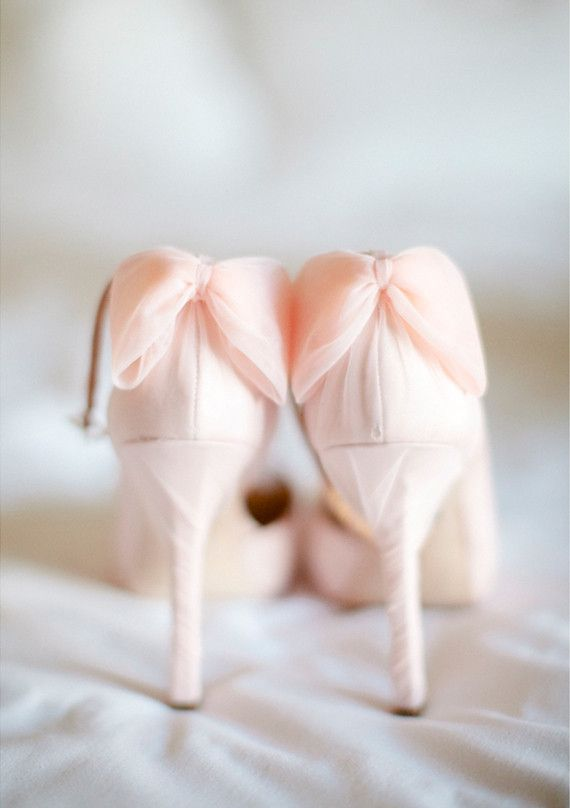 pink bowed Badgley Mischka  shoes