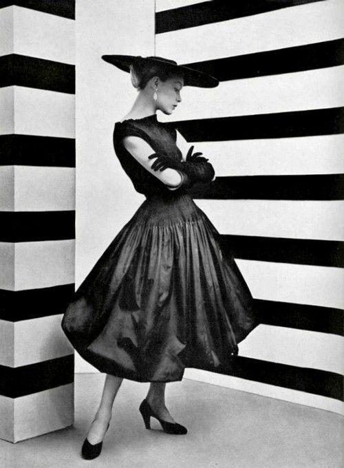 """Balenciaga, Spring 1952. 'Le style du taffetas noir' photographed by Philippe Pottier for """"L'Officiel #361"""" (1952). via my intellect"""