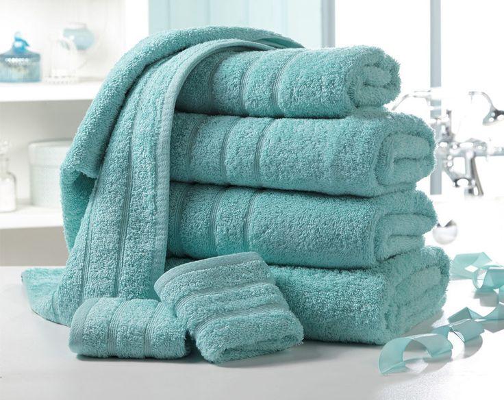 Luxurious 500gsm Egyptian cotton towel bale comprises: two 30 x 30cm face cloths two 50 x 80cm hand towels, two 65 x 120cm bath towels and one 90 x 140cm bath sheet.