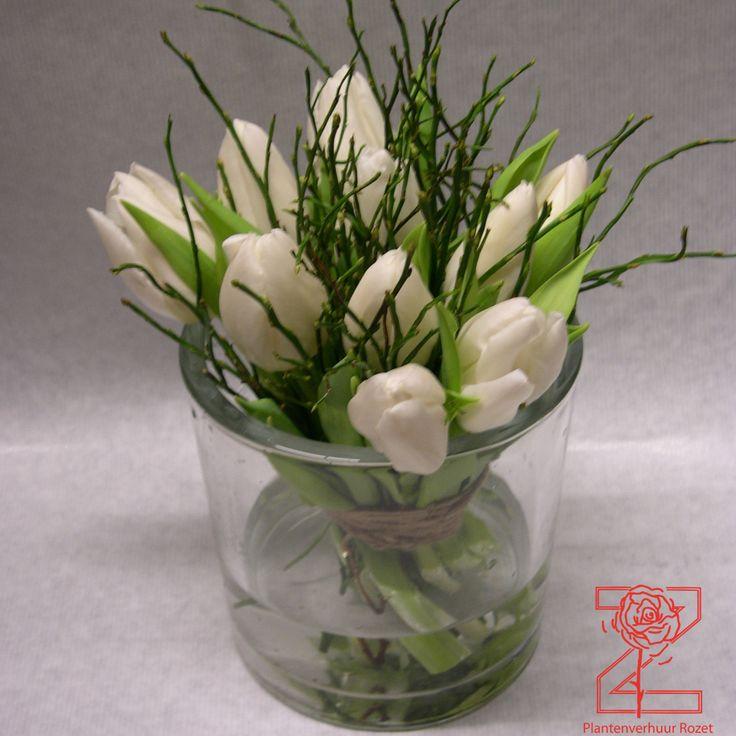 Cilinder-vaas-met-tulpen.jpg (1000×1000)
