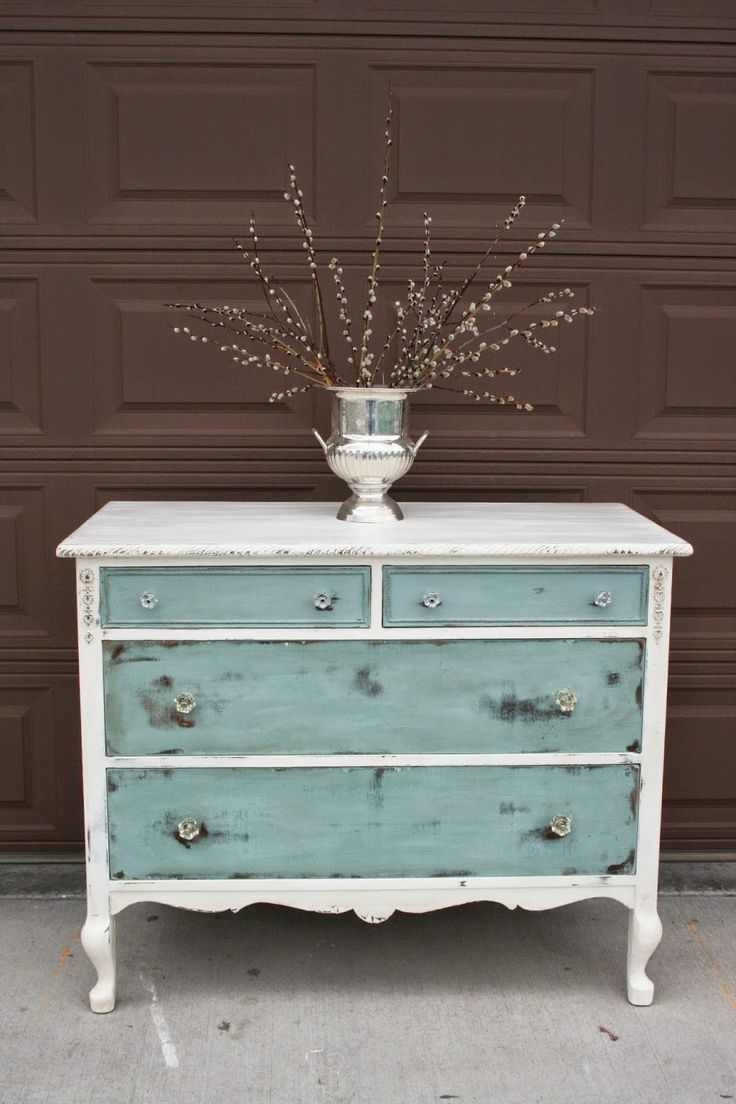 Commode blanche turquoise