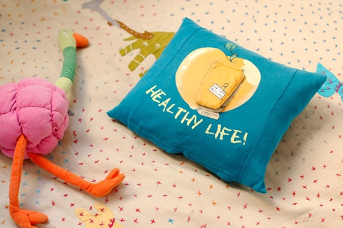 I made this pillow out of and old t-shirt. Foto: www.pablografia.com