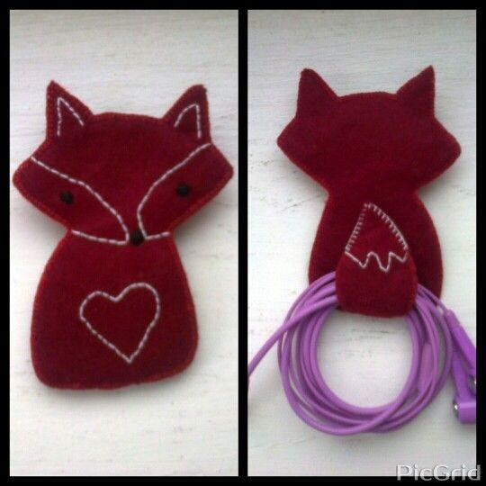 Felt fox headphone holder